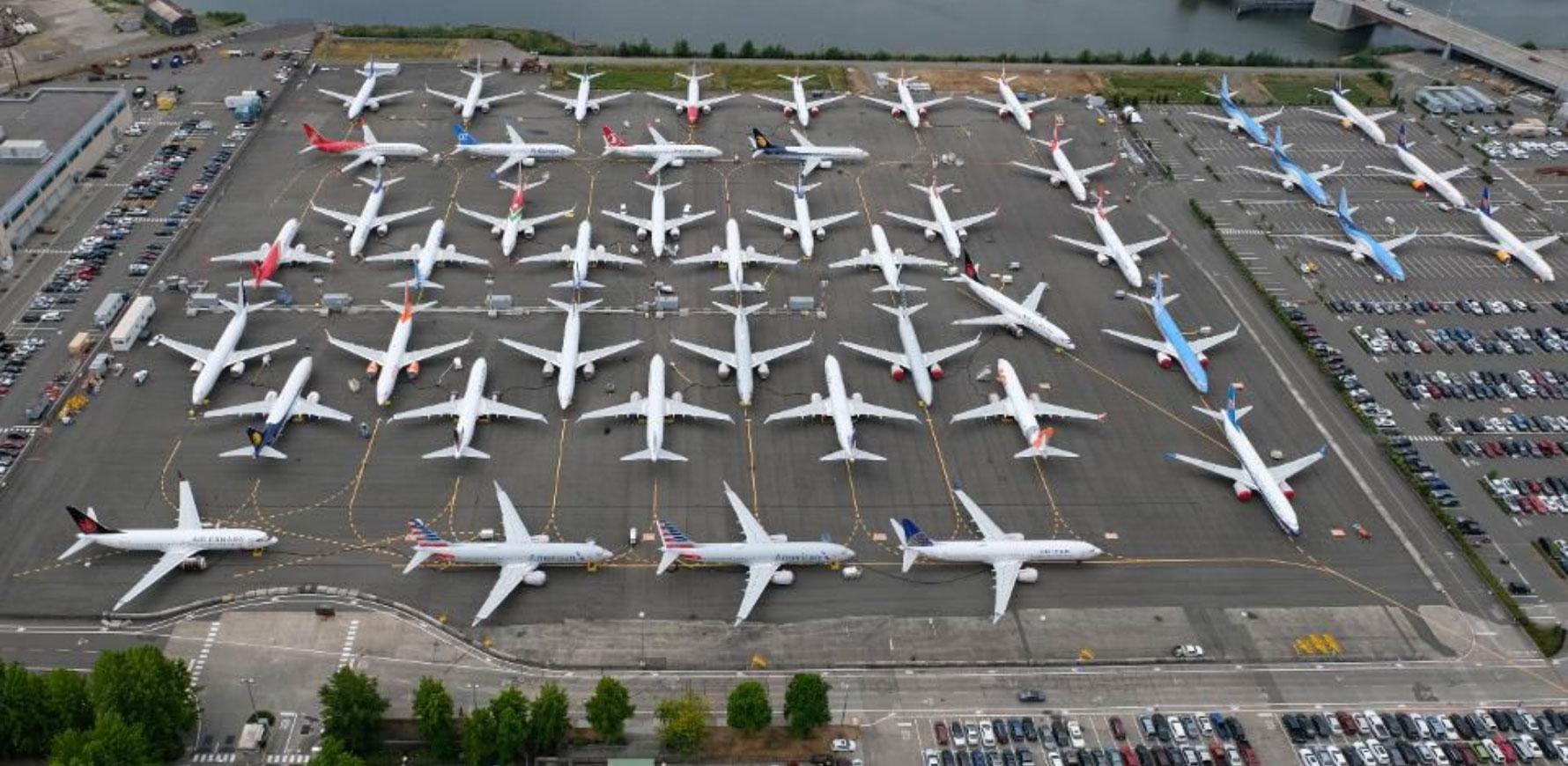 parking rempli de 737MAX en attente de livraison